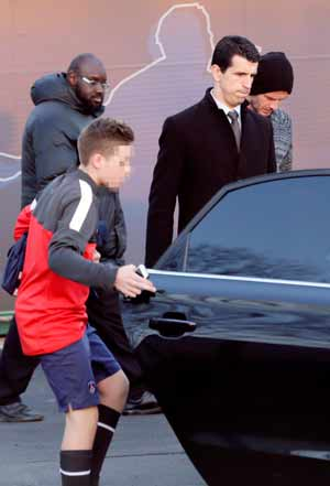 David Beckham's son trains at Manchester United