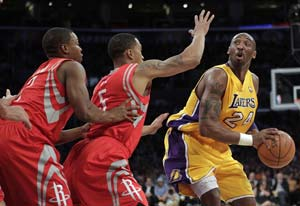 Bryant scores 37, Lakers hold off Rockets 108-99