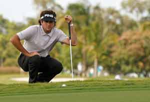 Watson fires 62 to seize Cadillac Championship lead