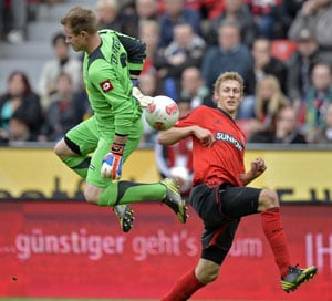 Leverkusen quickly climbs to second in Bundesliga