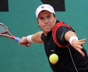 Berlocq beats James Blake in U.S. men's clay court 1st round