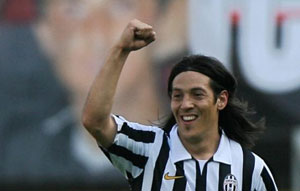 Mauro Camoranesi joins Argentine side Racing Club