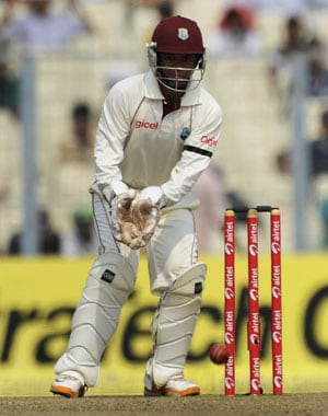 Windies wear black armbands to pay homage to accident victims