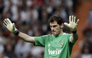 Iker Casillas mulling over Real Madrid exit