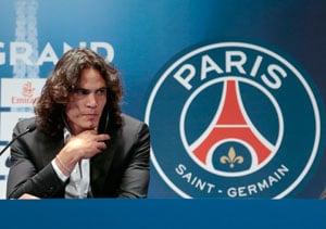 Edinson Cavani joins PSG in record French transfer