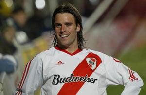 Cavenaghi set for River Plate return