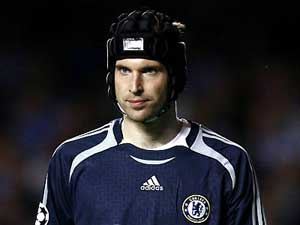 Chelsea crisis not over, says Cech