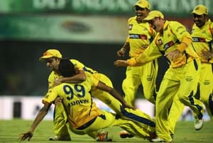 Chennai Super Kings look to end losing streak at home