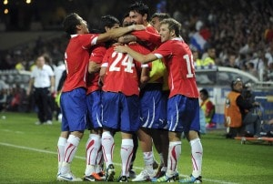 Chile battle back to hold France