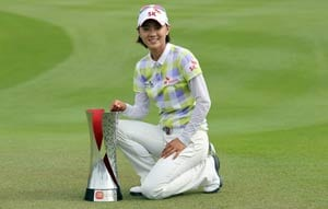 Choi holds off Tseng to win in Malaysia