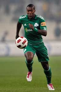 Panathinaikos striker Cisse sues Olympiakos chief