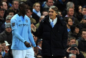 Linesman advises Manchester City players to thank fans