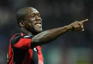 Clarence Seedorf signs contract as AC Milan coach