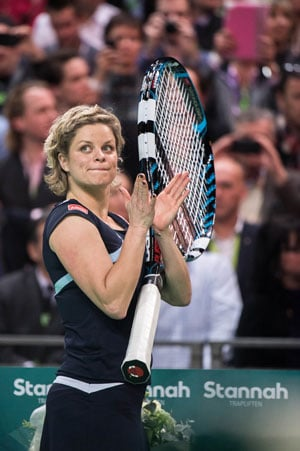 Kim Clijsters beats Venus Williams in farewell game