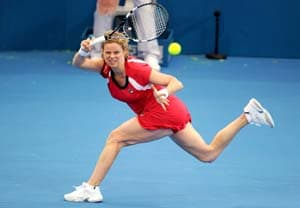 Clijsters injured, quits in Brisbane semifinals