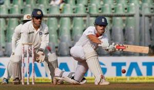 2nd Test, Day 2: Cook, Pietersen strengthen England's cause
