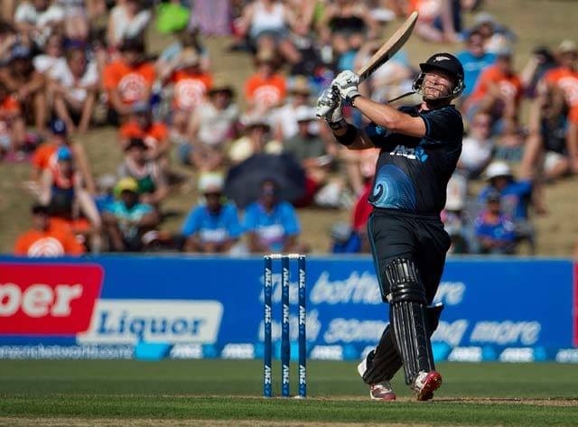 IPL: Corey Anderson is fit to start for Mumbai Indians