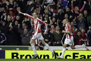 Crouch fires, Toure salvages as City draw Stoke