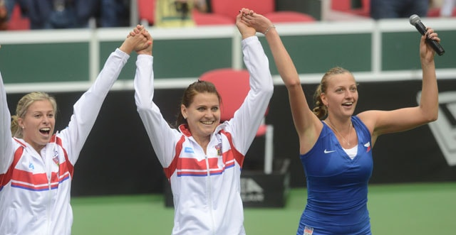 Fed Cup: Czech Republic beat holders Italy to reach final