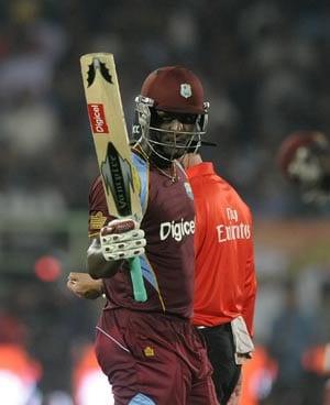 Darren Sammy, Lendl Simmons help West Indies draw level with India