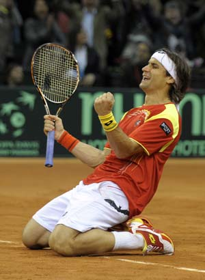 Ferrer hands Spain 2-0 lead after epic Del Potro encounter