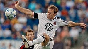 Ex-defender sues club over concussion