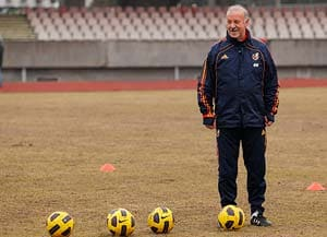 Del Bosque warns Spain over defensive shortcomings