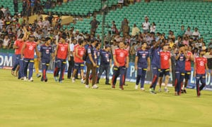 IPL6: Best anti-naxal CRPF jawans watch Delhi Daredevils vs Kolkata Knight Riders tie in Raipur