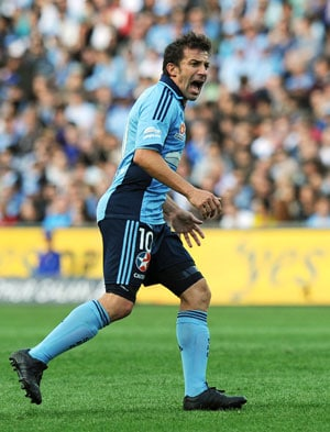 Alessandro Del Piero injury fears as Sydney FC stay bottom