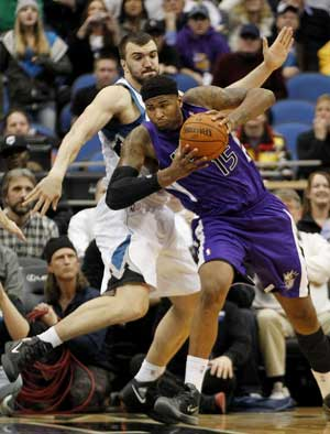 Cousins leads Kings back against Hornets