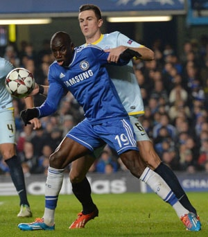 Demba Ba scores as Chelsea F.C. take Champions League top spot in Group E