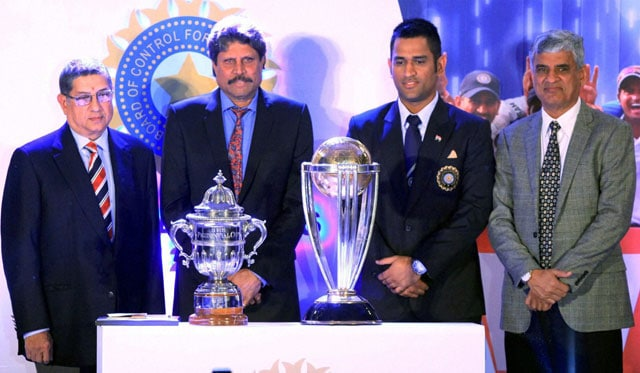 Kapil Dev presented with lifetime achievement award, Ashwin named India's best cricketer