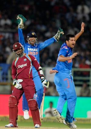 Mahendra Singh Dhoni defends bowlers after 2-wicket loss to West Indies at Vizag