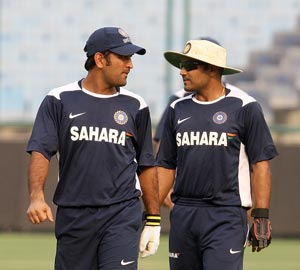 Dhoni must have faith in Virender Sehwag's abilities: Wasim Akram
