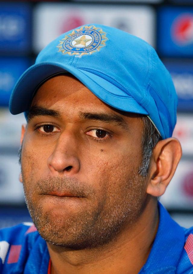 After ICC World Twenty20 defeat, MS Dhoni mum on Yuvraj Singh future
