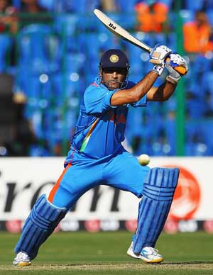 Dhoni praises bowlers for win over Sri Lanka in one-off T20