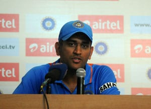 India vs Australia: Mahendra Singh Dhoni says bowlers will have better outing in ODIs