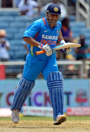 Tri-series: MS Dhoni might play final if India make it, says Virat Kohli