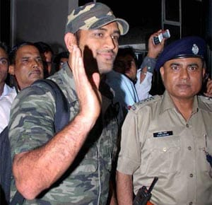 Lieutenant Colonel MS Dhoni's 'mission' at border outposts