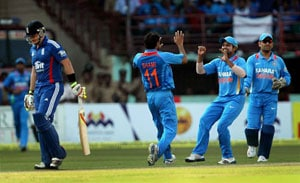 3rd ODI: MS Dhoni credits bowlers with setting up Ranchi win
