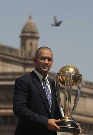 Dhoni reveals he wept after India's World Cup win