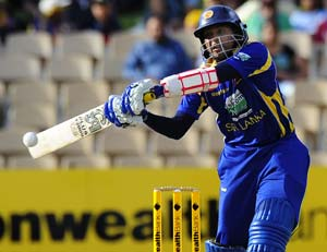 CB Series 2nd Final: Dilshan helps Sri Lanka take series to decider