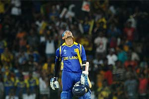 Sri Lanka thump England to enter semis