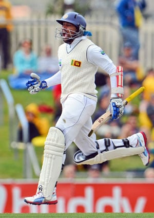 Hobart Test, Day 3: Tillakaratne Dilshan ton leads Sri Lanka counter-attack