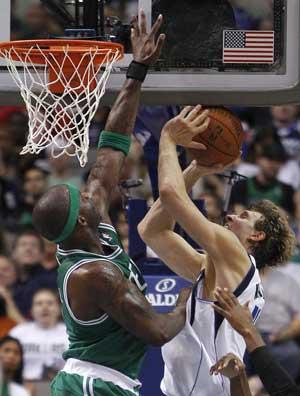 Nowitzki's 26 help lead Mavericks over Celtics, 89-73