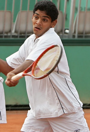 After one win and a walk-over, Divij Sharan, Purav Raja in semis in China