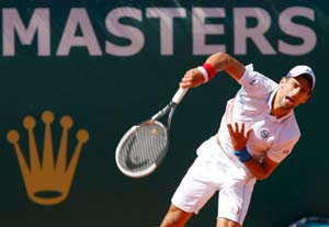 Berdych takes down Murray, Djokovic also makes Monte Carlo semis