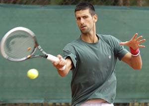 Djokovic, Murray, Sharapova advance at Indian Wells