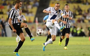 Robbie Keane, Landon Donovan lead LA Galaxy past Juventus 3-1