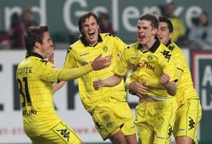 Three-way tie after Dortmund held at home